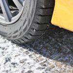 カーシェアで雪道を走れるの?カーシェア各社のスタッドレスタイヤ装備事情